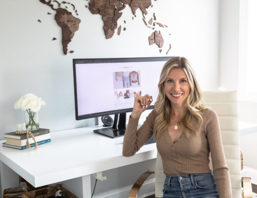 enjoy-the-wood-map-office-the-glamorous-gal